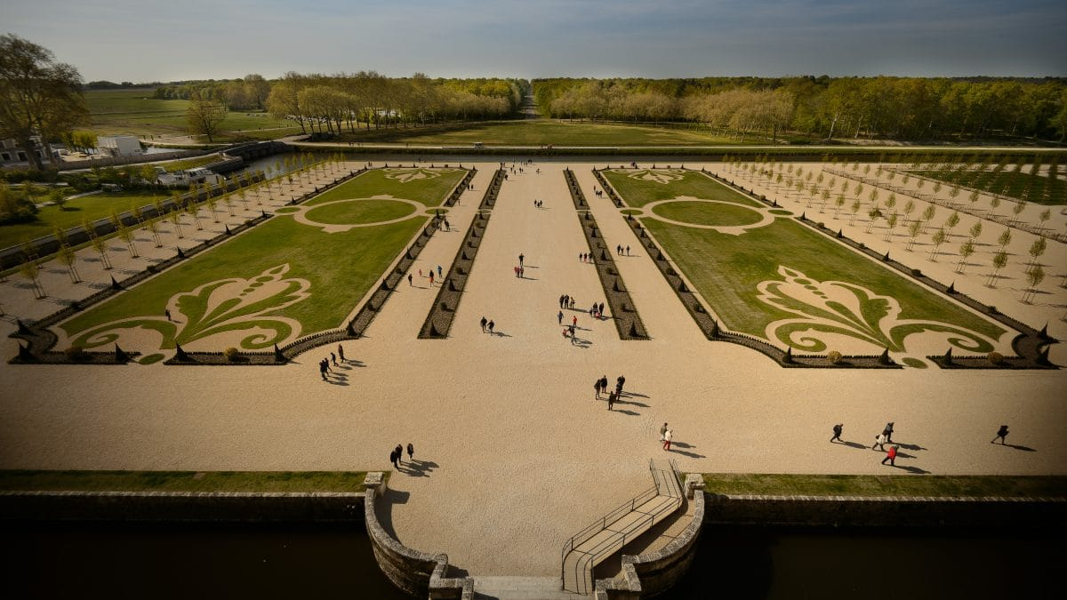 FORMAL FRENCH GARDENS | Chambord Castle